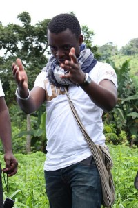 Florian Ngimbis comme vous ne l'avez pas souvent vu. Hommage à Um Nyobe. L'avenir c'est devant. Crédit photo Gaelle Ngo Tjat.