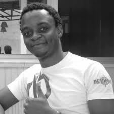 Florian Ngimbis en mode économie du sourire. Crédit photo kongossa.mondoblog.org